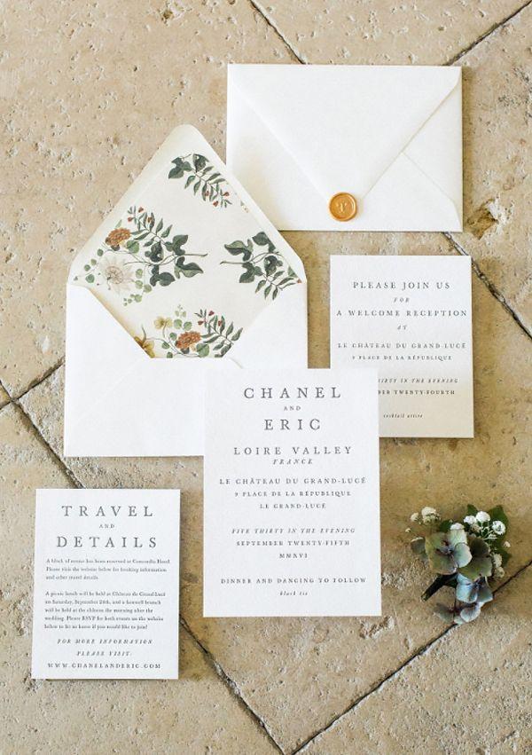 funny wedding invitation mail%0A Convite de casamento com toque vintage  ilustra    o floral no forro do  envelope  destination wedding