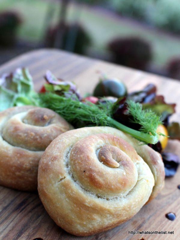 Yafawai-sfeeha-meat-pies-Jaffa-whatsonthelist
