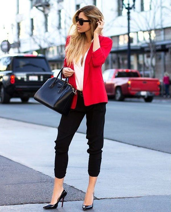 Red-Blazer-Street-Style-Office-Chic-Look