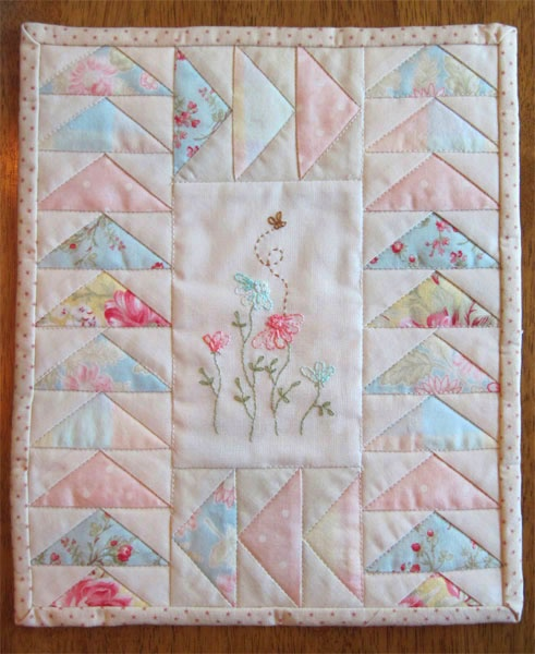 Aunt Reen's Place: Mini Embroidered Quilt ready to Swap