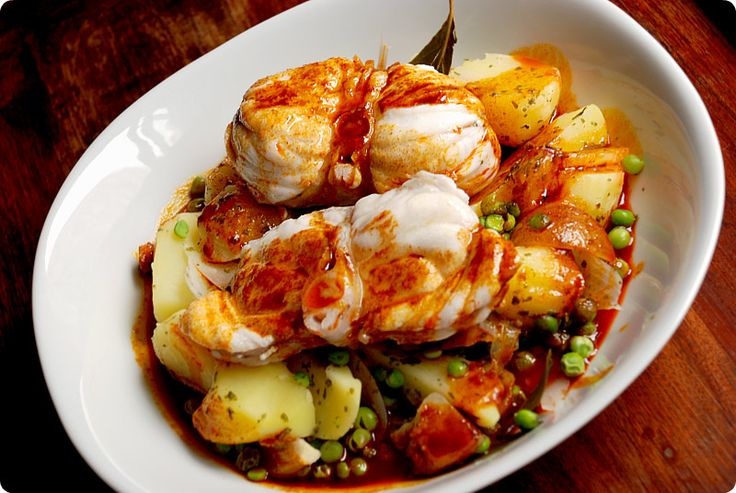 Receta de Rape a la gallega en Thermomix ®, un plato típico con un pescado absolutamente delicioso que podrás cocinar cualquier día de fiesta.