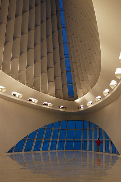 Interior of Milwaukee Art Museum :: Santiago Calatrava