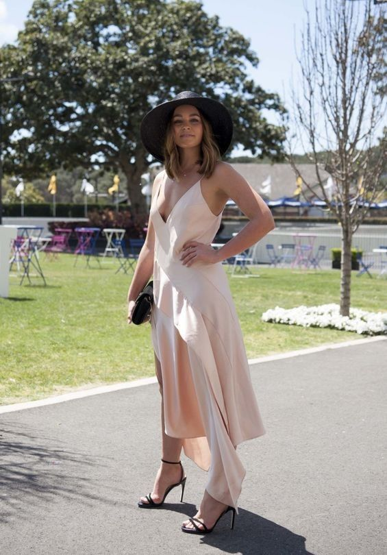 The best in street style from Royal Randwick's Moët & Chandon Spring Champion Stakes Day - Vogue Australia #racing