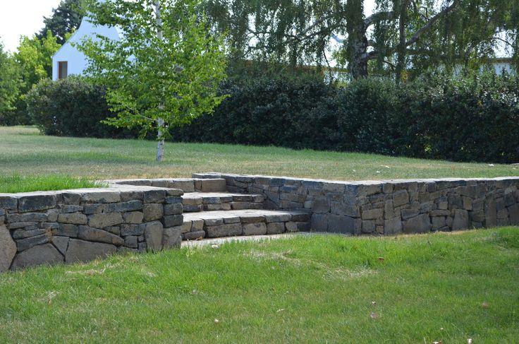 Garden wall & steps using Rock Flat Basalt
