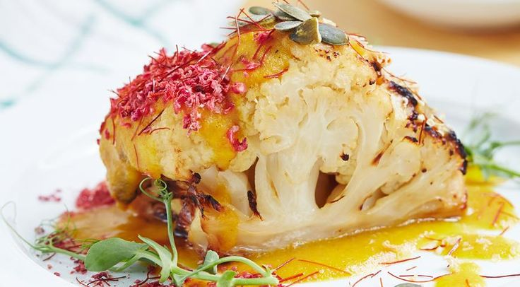 Печеная цветная капуста с яблочным карри