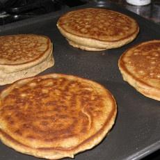 Gluten Free Oatmeal Pancakes!! Yay I love pancakes!!