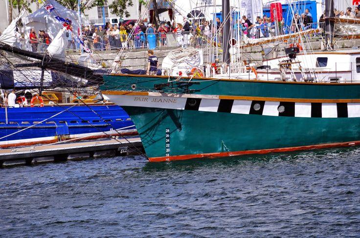 Les Grands Voiliers 2014, visite du Musée Naval de Québec et du Vieux-Port  Le beau temps, les milliers de visiteurs, les voiliers.  Tout est là pour la FÊTE.