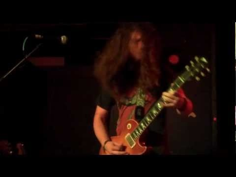 Graham Whitford Bad A$$ solo  Cosmic Charlies  Tyler Bryant & the Shakedown