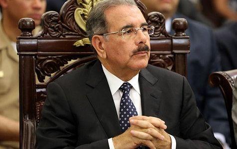 Danilo Medina, se suma a la cadena de lamentaciones que han hecho por la muerte del exrector de la Universidad Autónoma de Santo Domingo (UASD), Mateo Aquino Febrillet