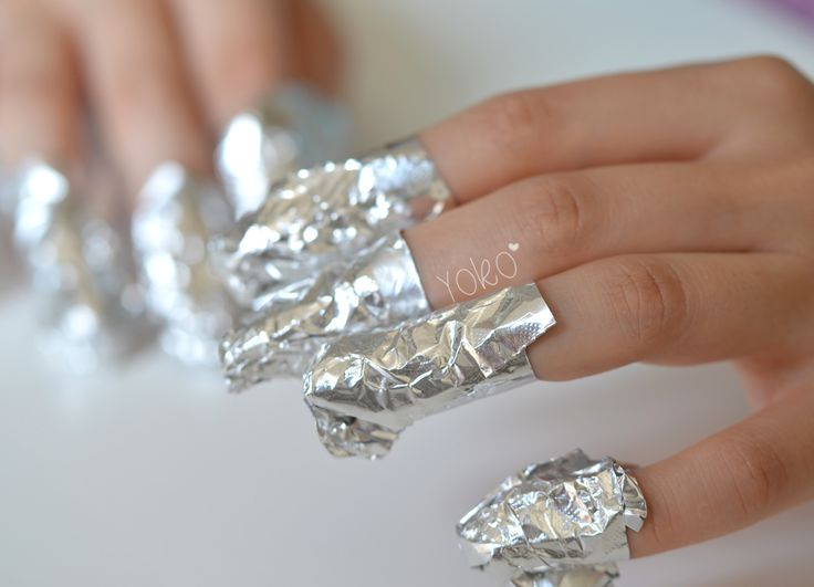 Comment enlever le vernis à paillettes ? - Articles - We Love Nail Art - Gemey Maybelline