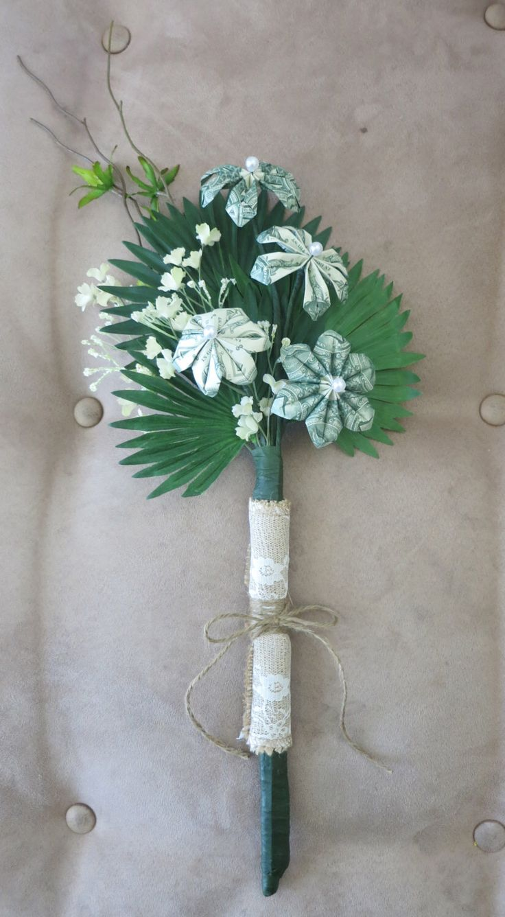 Beautiful money bouquet made with money flowers. Perfect for graduations, weddings, and more!