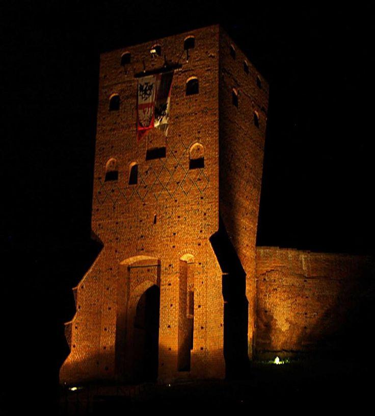 Zamek Czersk nocą
