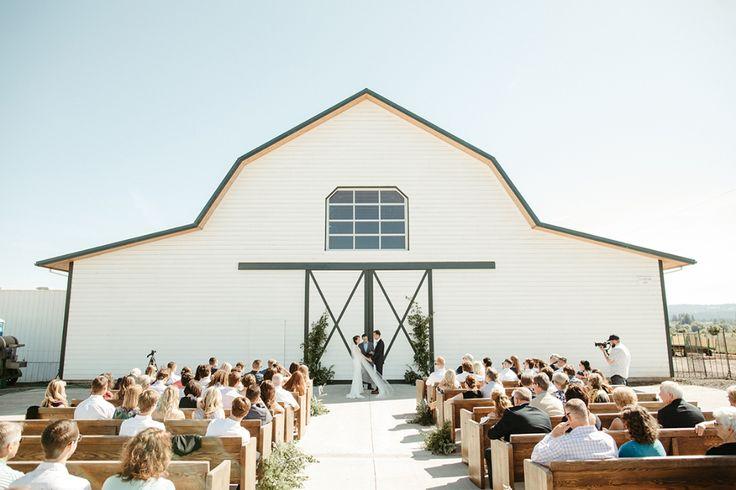 A joyous Oregon berry farm wedding (& a Bridal Musings ...