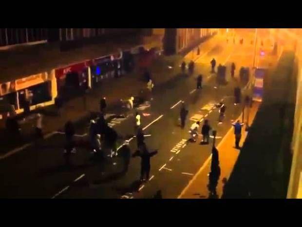 CRAZY FIGHT STREET FIGHTS     LONDON RIOTS  kimbo vs high school bully