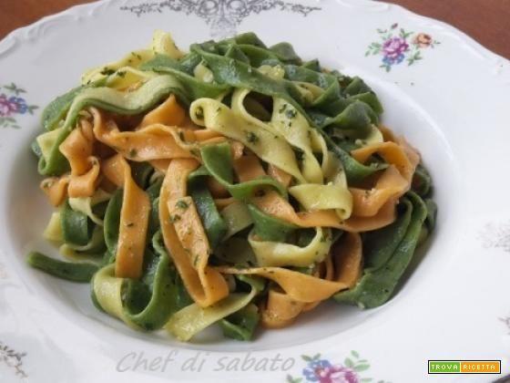 Tagliatelle colorate con pesto agli aromi  #ricette #food #recipes