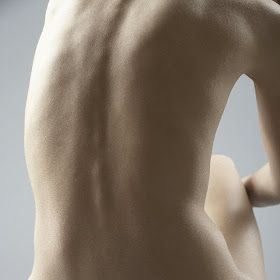 Muy buena página: Ejercicios para enderezar la columna vertebral