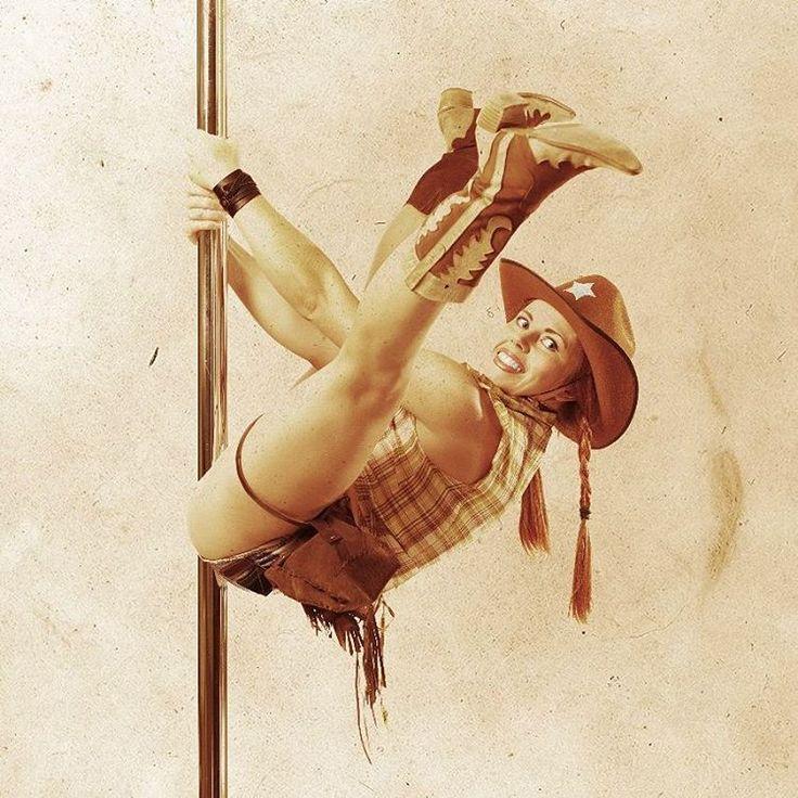 Когда твоя девушка - ковбой. И, кстати, преподает #poledance в городе #nakhodka в спорткомплексе @f_city_fitness Спортивно, интересно, весело и красиво! #sport #fitness #fitnes #pole #happy #cowgirl #photography #photo #foto #fotograf #nhk