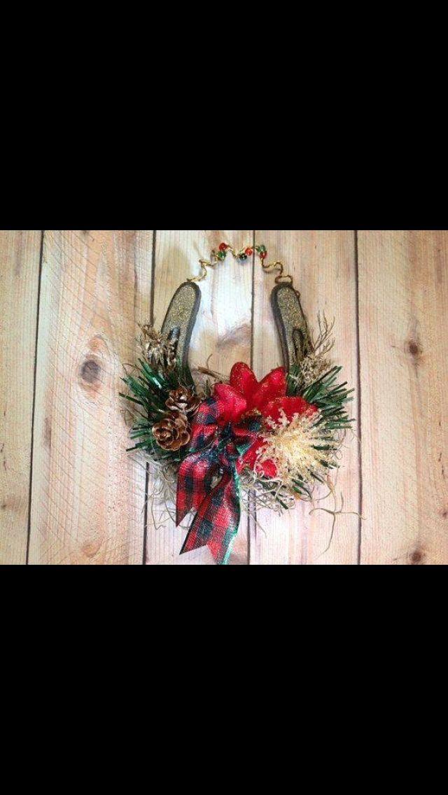 Horse shoe wreath