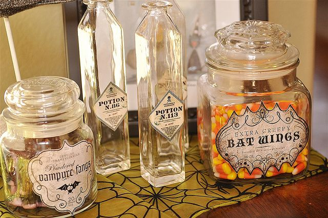 Halloween Potion Bottles using the Silhouette Cameo
