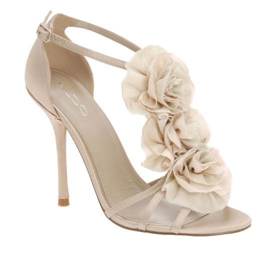Would also make a great shoe for bridesmaids.