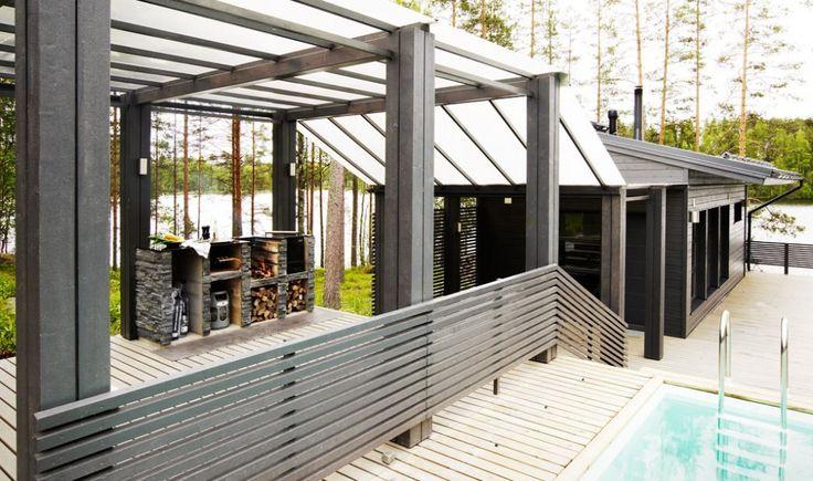 Harmaja - katettu kulku saunarakennukseen