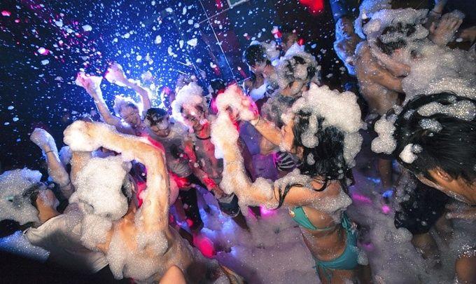 イビサの「泡パーティ」を日本でも!2015年一発目は渋谷で3月に開催決定   RETRIP