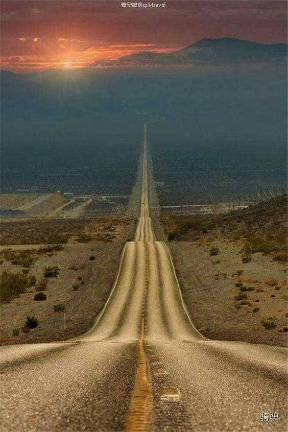 Lonely Road, Death Valley