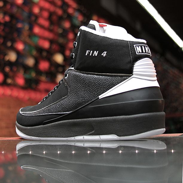 Air Jordan 2 Retro - Michael Finley PE
