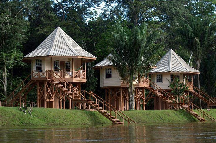 River cabins at the Retreat location New Leadertraining for CEO's in Suriname . Travel with me. Develop your Leadership