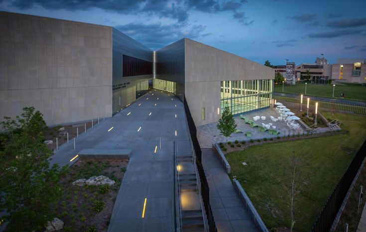 Gallery of Bill R. Foster and Family Recreation Center / Cannon Design - 4