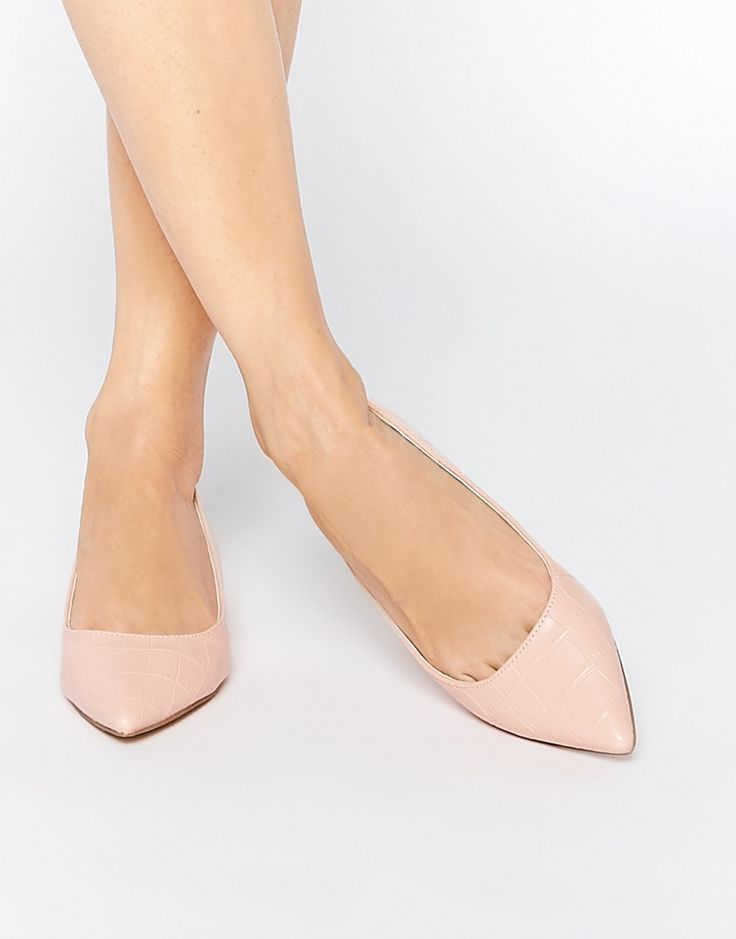 One is supposed to wear a shade pinker than their skin tone in order for their skin to appear tanner by contrast. I guess the inverse is true too. I'll go with these pink flats!