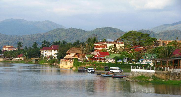 Vang Vieng, Laos (par niscratz). En savoir plus: http://voyager-au-laos.com/sites-a-visiter/vang-vieng