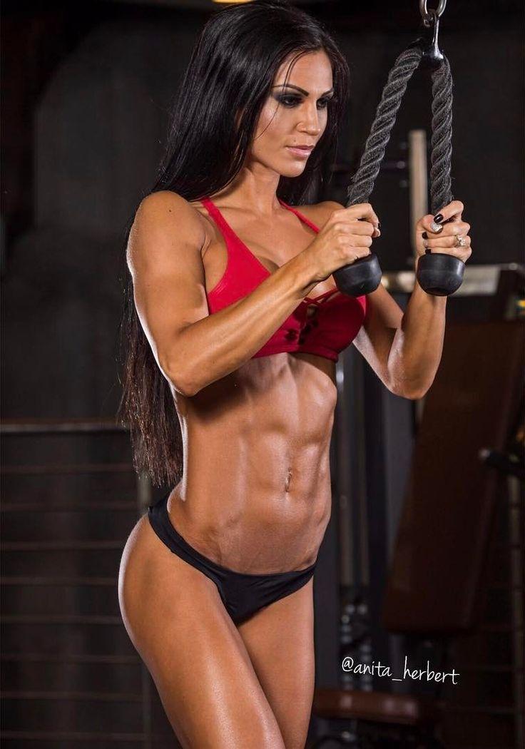 Anita Hengher Nude Photos 10