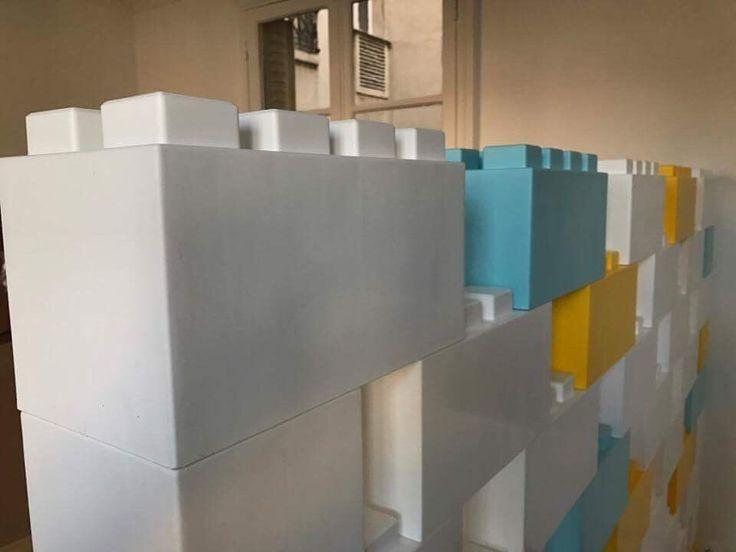 1000 id es sur le th me lego geant sur pinterest canap chesterfield briques et bois. Black Bedroom Furniture Sets. Home Design Ideas