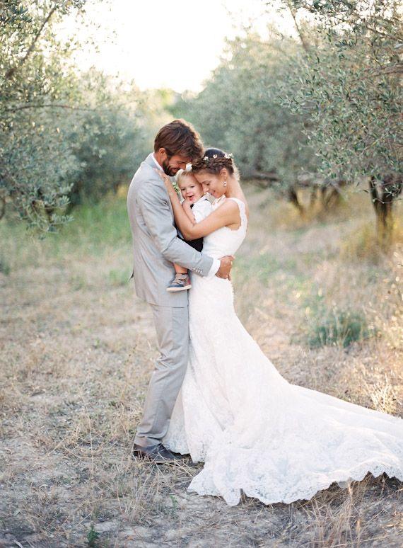 Provence oliveraie mariage | Photos de plume et pierre | Lire la suite - http://www.100layercake.com/blog/?p=70031