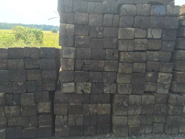 RAILROAD CROSS TIES FOR SALE BY THE TRUCKLOAD - Great for retaining walls and dunnage - 245 per flatbed truck (MUST BUY AT LEAST 125 ties or 245 ties) - 15 bundles - $7 ea. - Stevenson, AL and Selma, AL - Call Matthew - two/five/six/three/four/seven/Nineteen forty two I CAN ALSO DELIVER TO GA FOR $550 on a flatbed truck.