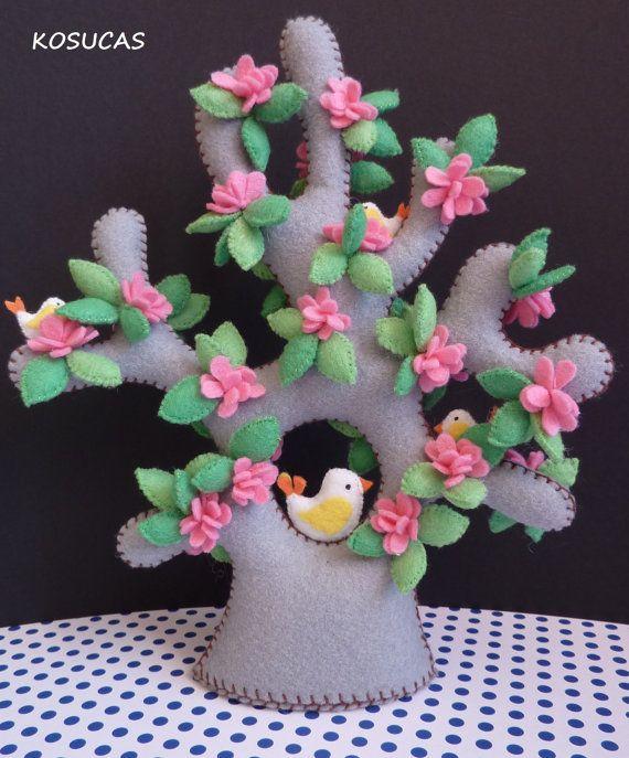 Felt tree with birds and flowers. | Sewing | Pinterest | Felt, Felt tree and Felt crafts