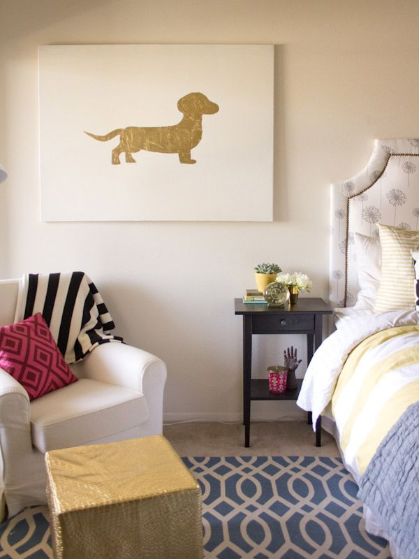 I would *love* to make this #DIY Gold Leaf Art featuring my own pup! Thanks, @Chelsea Foy // Lovely Indeed!