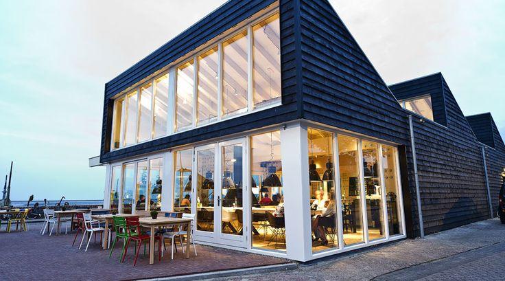 LOODS - lounge | restaurant Terschelling - Toegankelijk voor rolstoelen & Invalidentoilet http://www.iens.nl/restaurant/31070/west-terschelling-loods