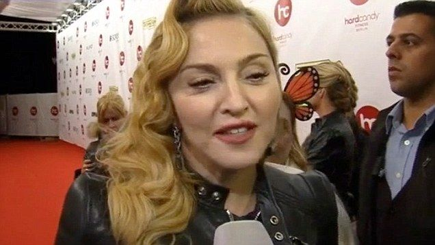 Singer Madonna surprised 400 fans at the 25th anniversery screening of 1991…