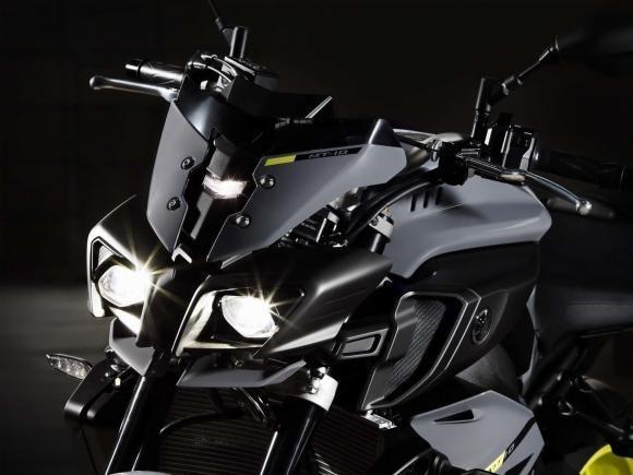 A Yamaha aproveitou o Salão de Milão, na Itália, para lançar a nova MT-10, entrando com tudo no segmento de super-nakeds, fortalecendo ainda mais a linha MT, que agora conta modelos de 125cc até 10...
