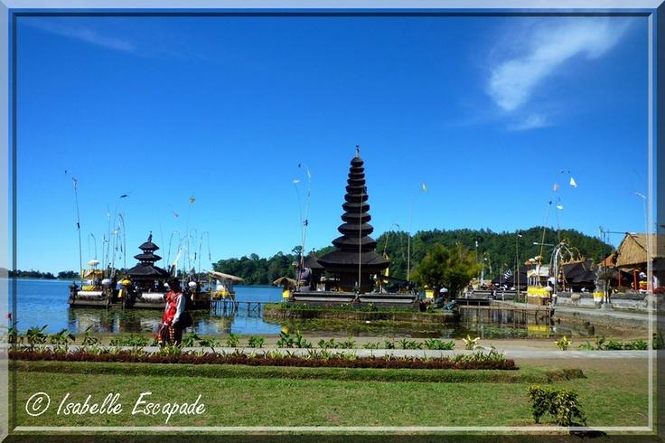 Bali - Temple d'Ulun Danu    http://indonesie.eklablog.com/