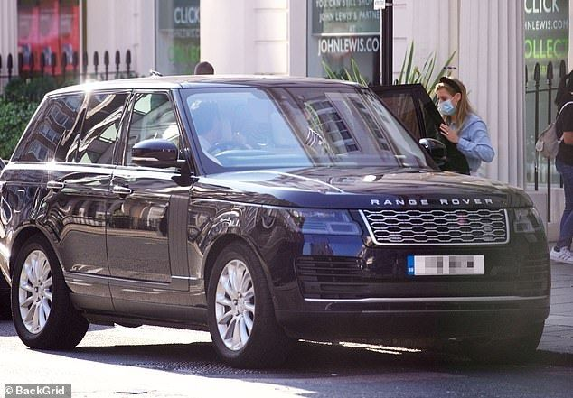 princess beatrice pops to the shops with edo and wolfie in 2020 princess beatrice beatrice princess pinterest