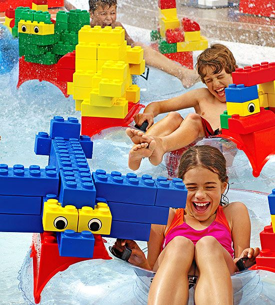 Thrill your kids with a vacation at one of our 10 best theme parks this summer!