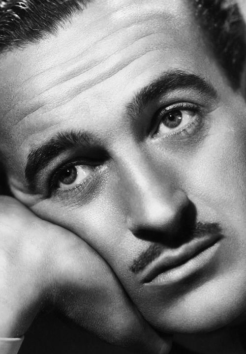 David Niven (James David Graham Niven) (born in London (England) on March 1, 1910 – died in Chateau d'Oex (Switzerland) on July 29, 1983)
