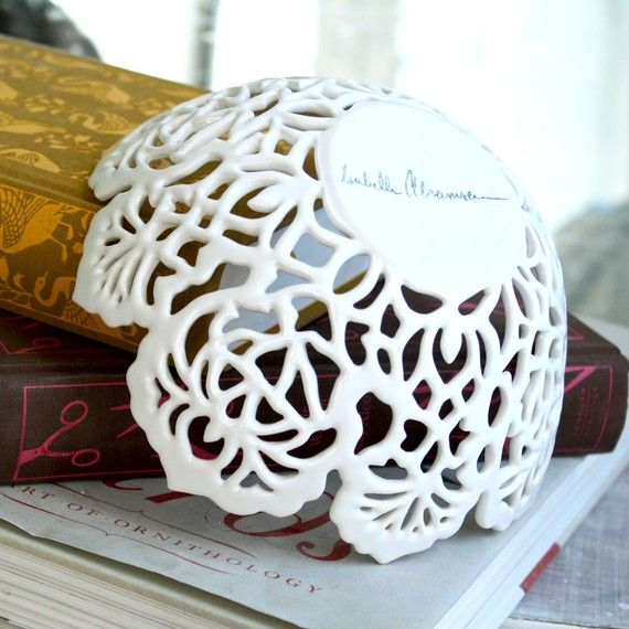 Loving lace right now and this bowl is gorgeous! From Boston artist Isabelle Abramson ( on Etsy )