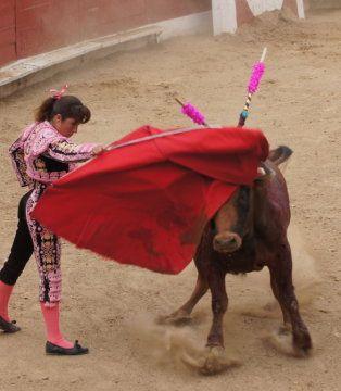 Znalezione obrazy dla zapytania corrida kobiet