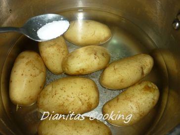 Πατάτες γεμιστές με Μπέικον και τυρί στο φούρνο!!!