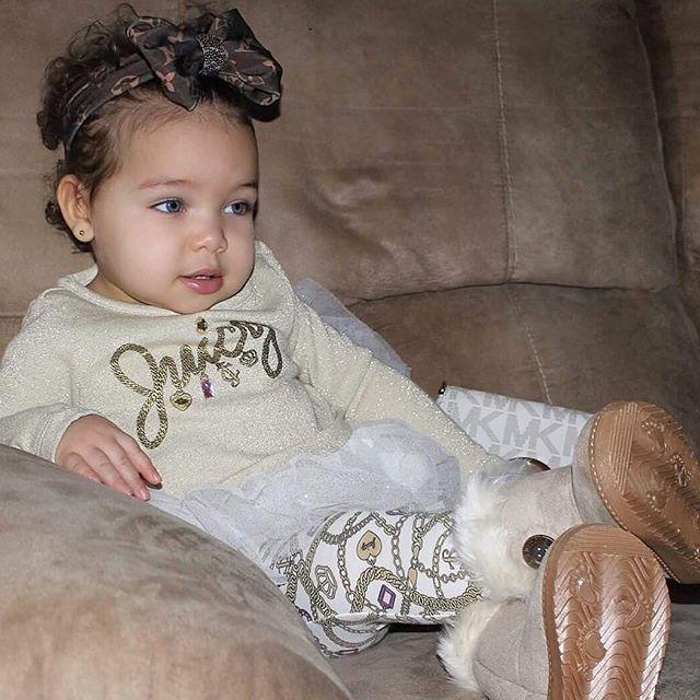 #baby #babiesofinstagram #toddler #gerber #fashion #ootd #cute #mixedbabies #bowsbeforebros #juicycouture #model
