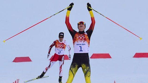 Eurosport - Am Ziel: Eric Frenzel ist Olympiasieger ▼12Feb2014 Yahoo Eurosport|Nordische Kombination - Frenzels Gold-Gala  http://de.eurosport.yahoo.com/news/nordische-kombination-kombinierer-frenzel-greift-olympia-gold-103658751--spt.html #ericfrenzel #frenzel #akitowatabe #watabe #nordiccombined #sochi2014